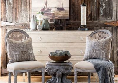 chairs with dresser